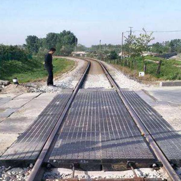 鐵路道口板
